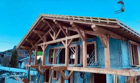 Pose de charpente en bois en Savoie